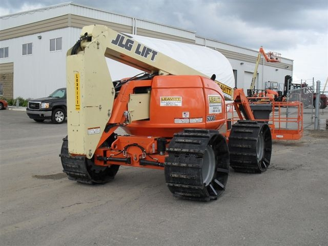Rubber Tracks For Aerial Lift | Right Track Systems Int