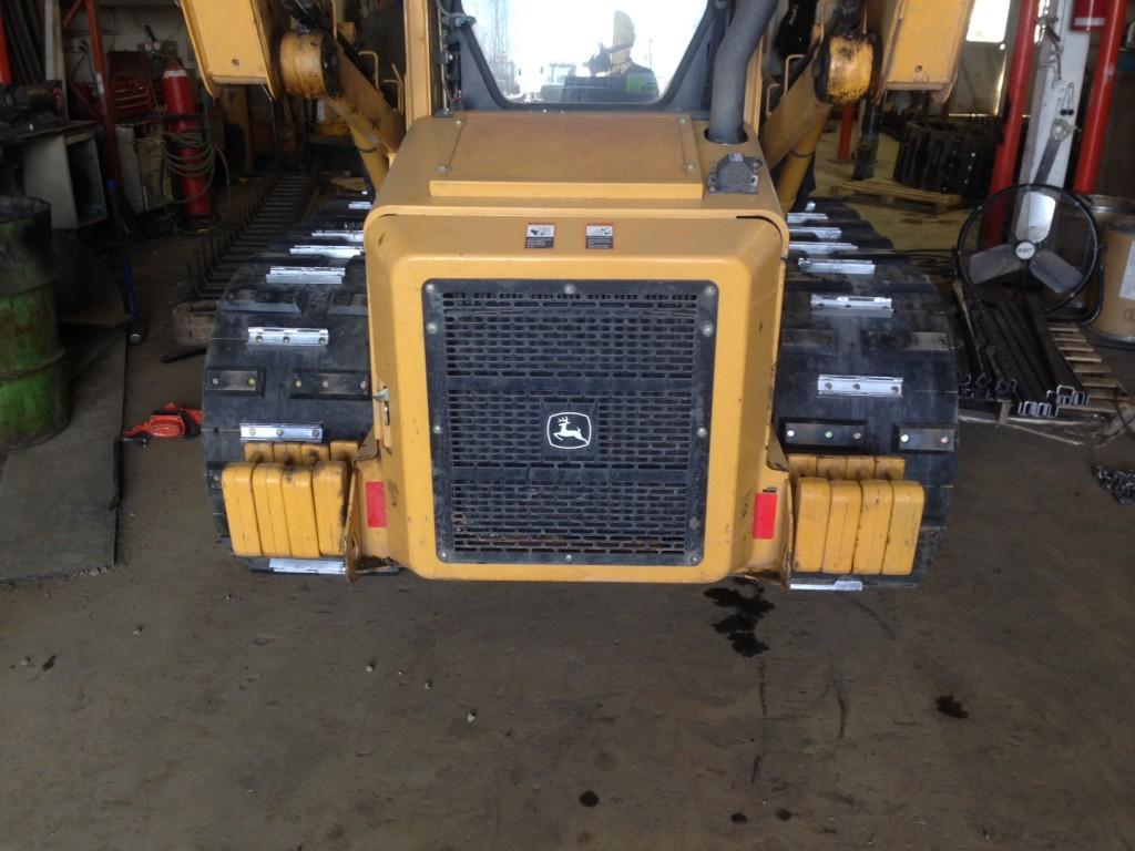 custom tracks on skid steer loaders